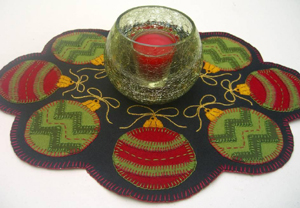 Ornaments to Go Candle Mat