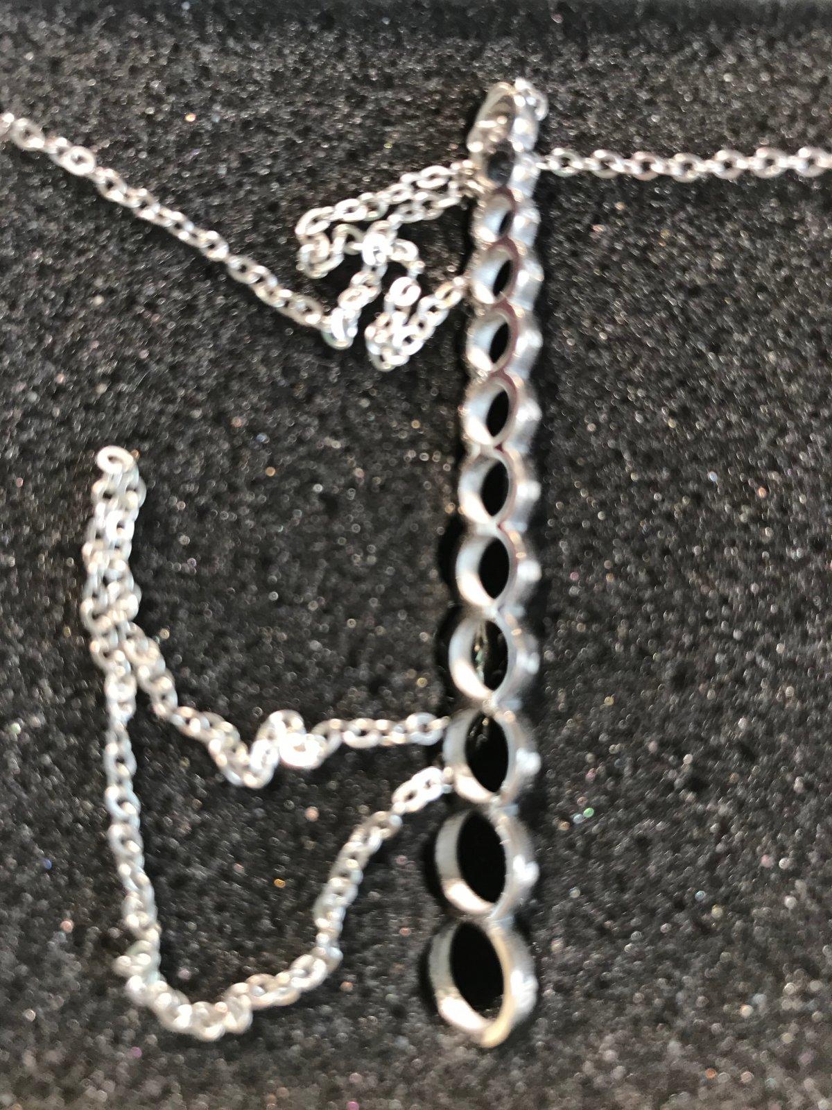 Needle Necklace