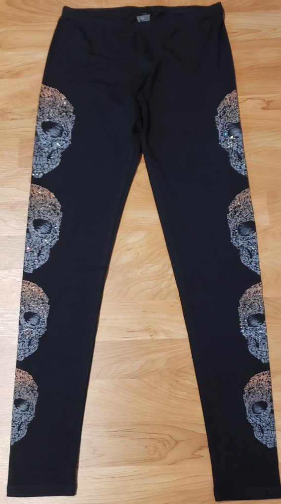 Knit Leggings with Skulls and Bling