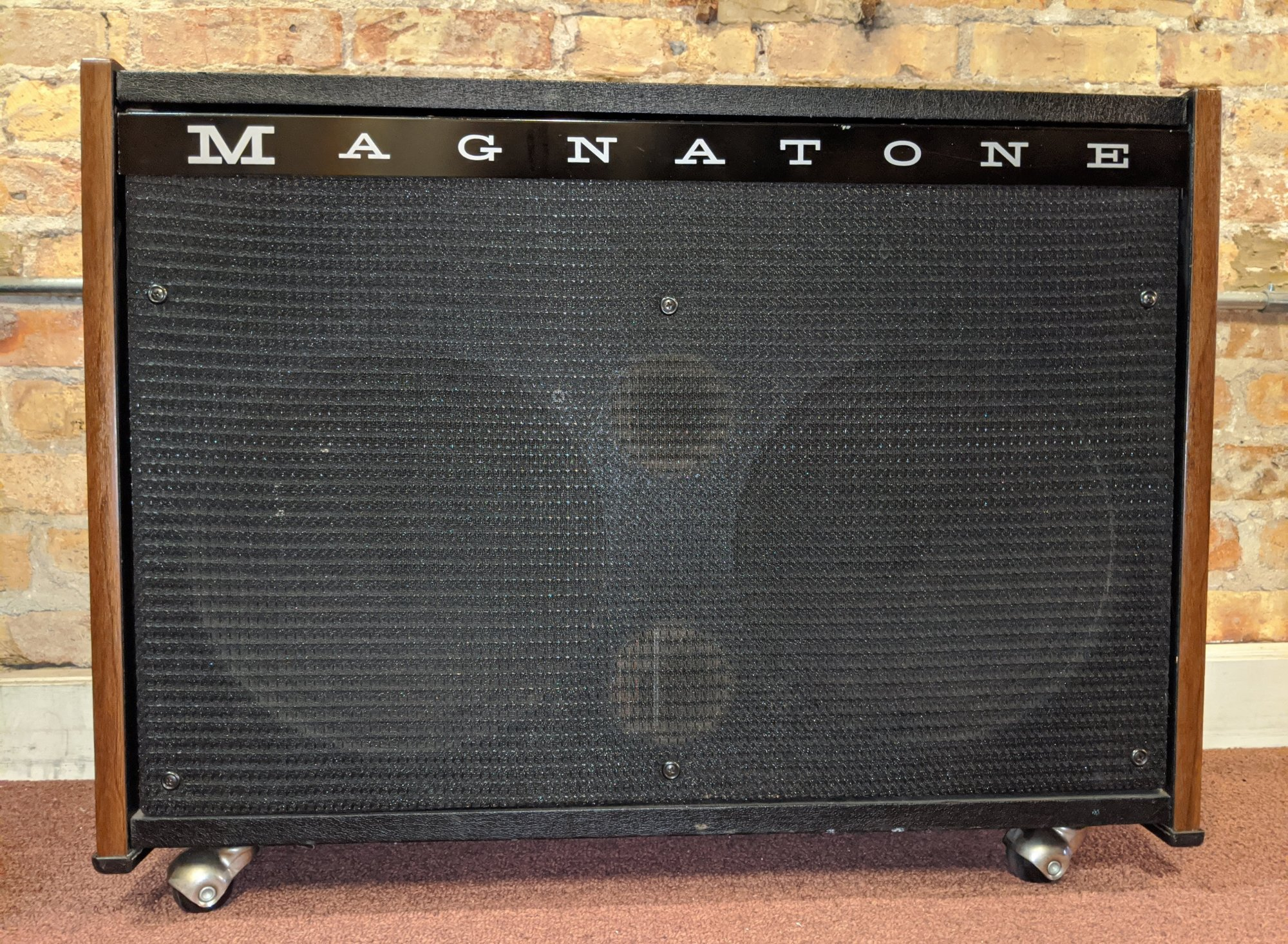 1968 Magnatone 240SV Solid State Amp