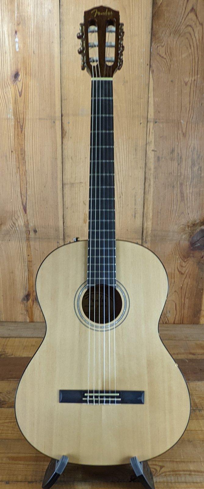 Fender CN-60S nylon string