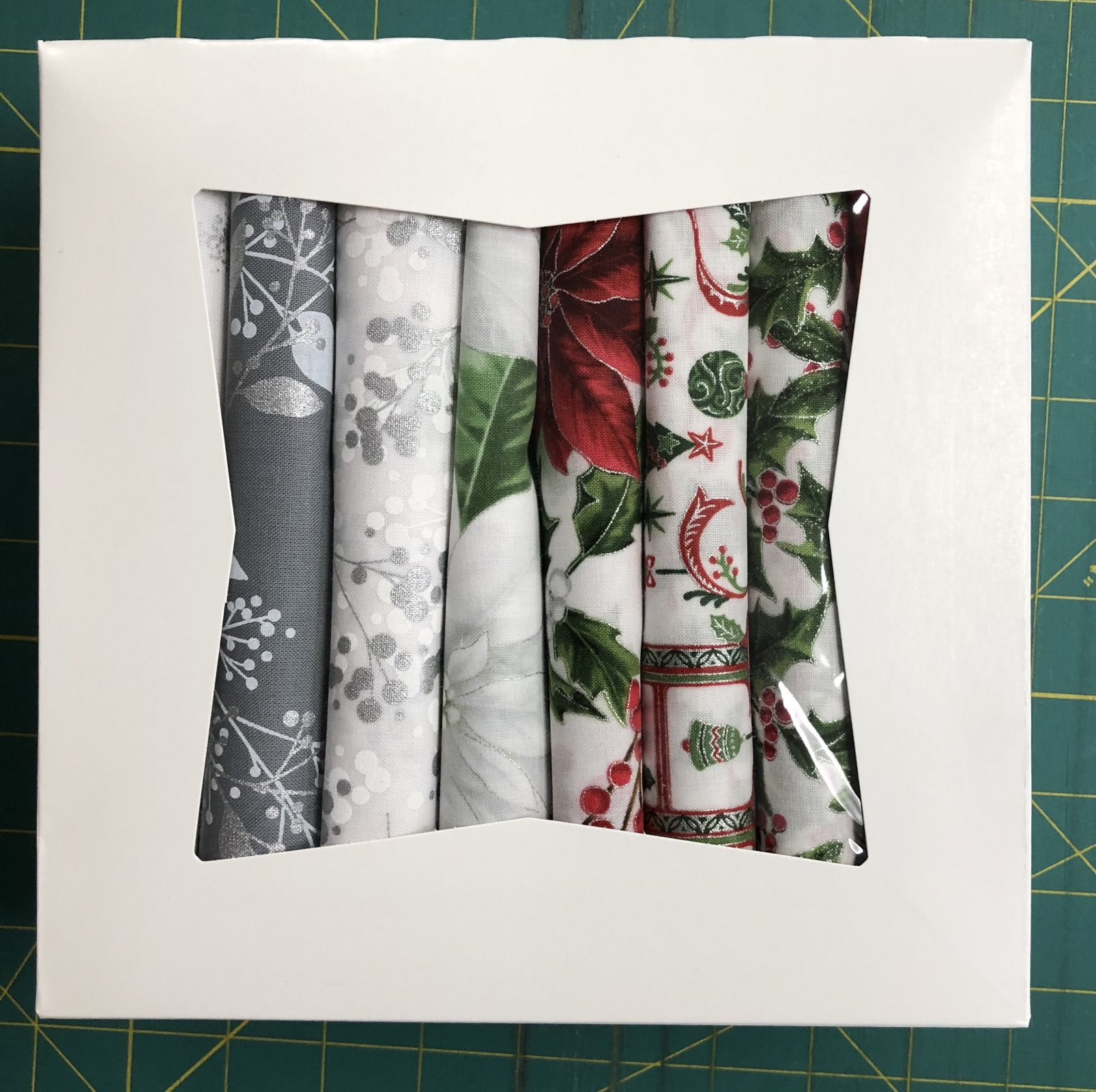 1/2 Yard Collection Holiday Decadence