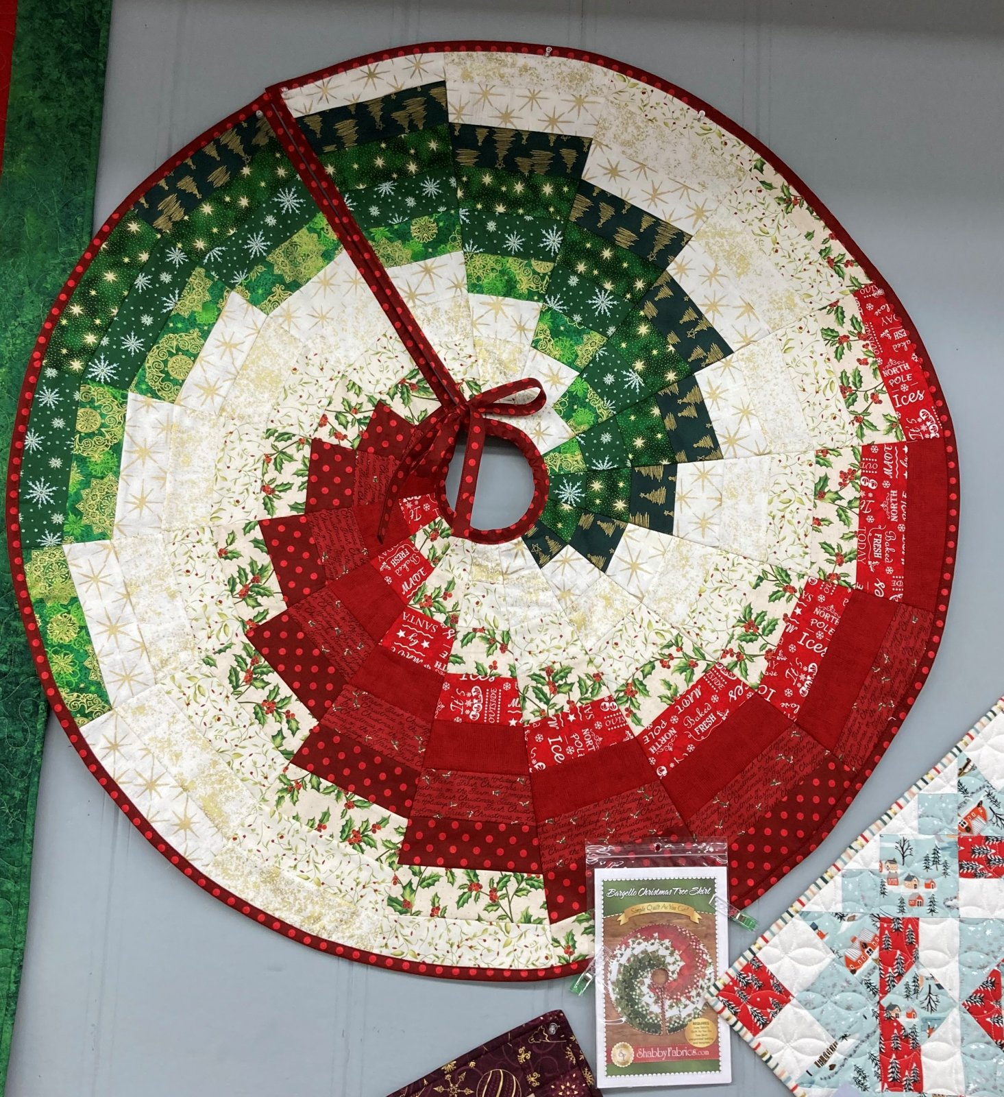 Bargello Christmas Tree Skirt Kit