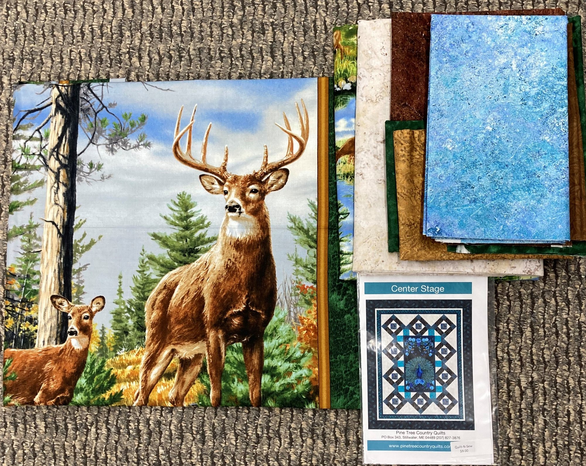 Center Stage Deer Quilt Kit 71 x 88