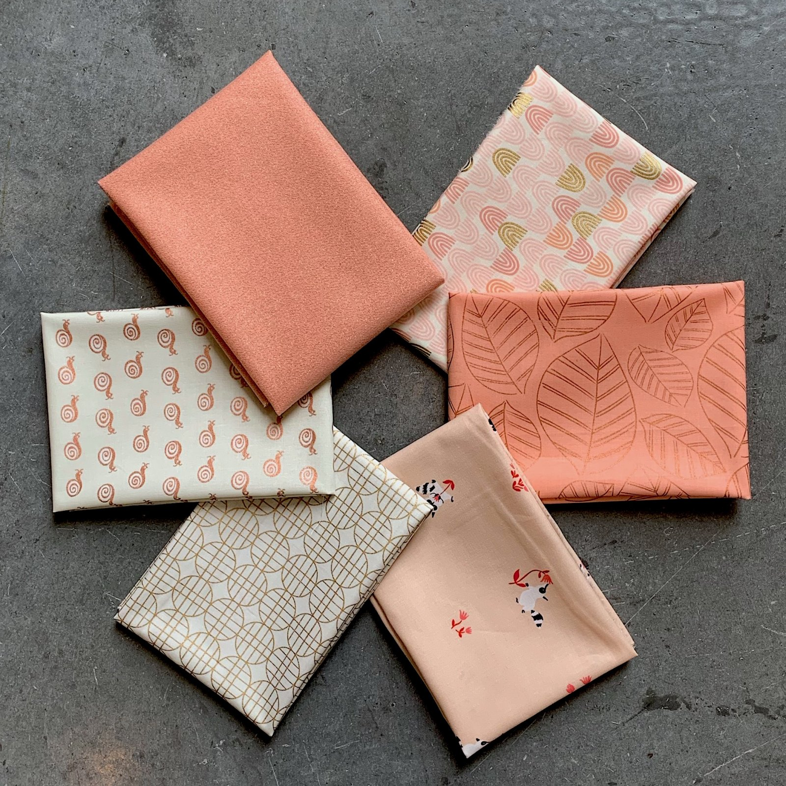 Spring Peach Fat Quarter Bundle