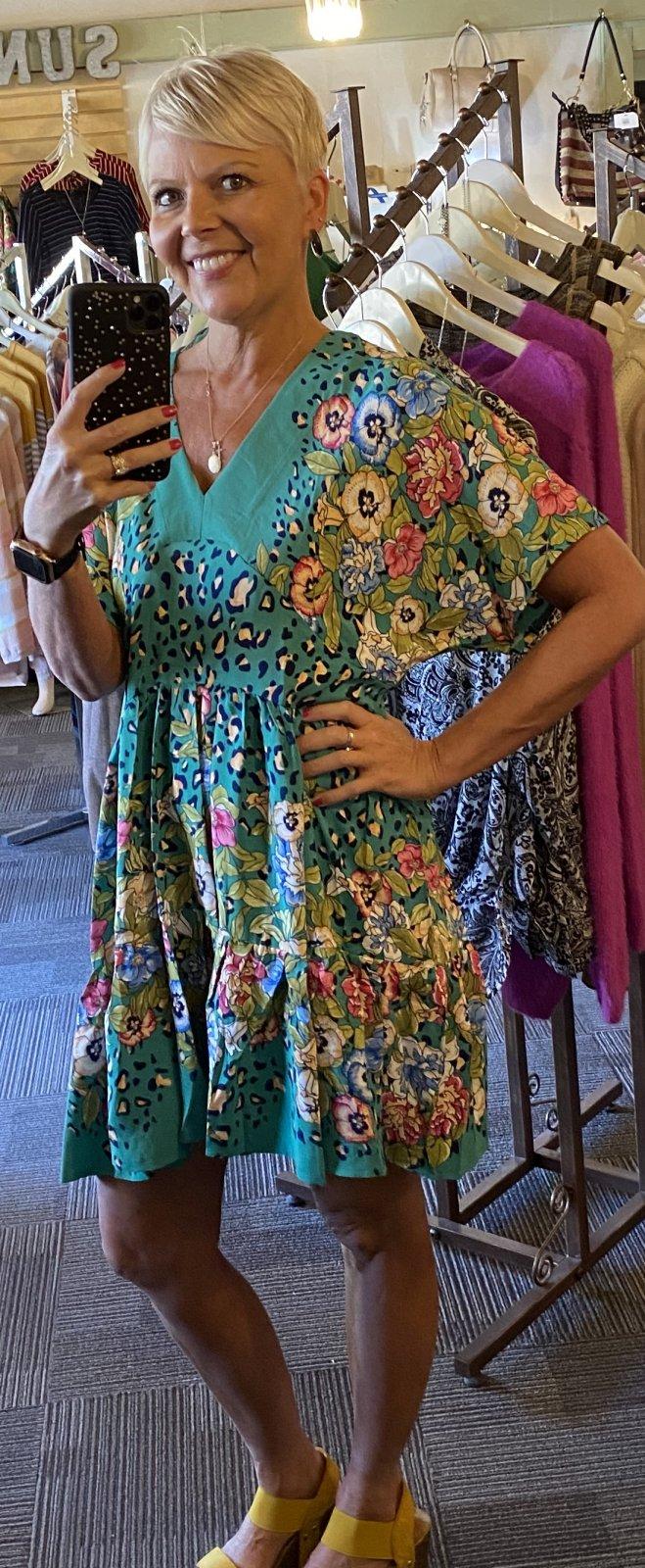 green floral umgee dress
