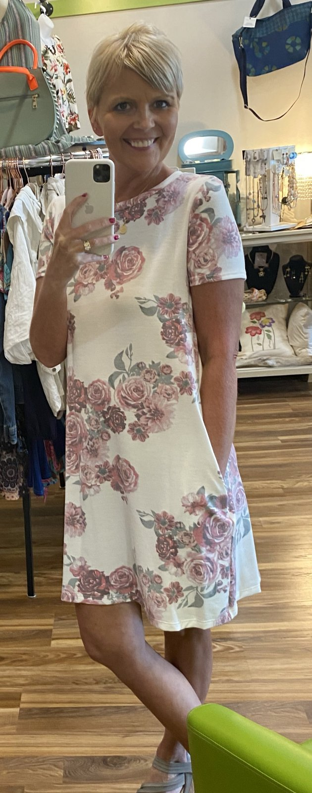 short sleeve rose with pockets