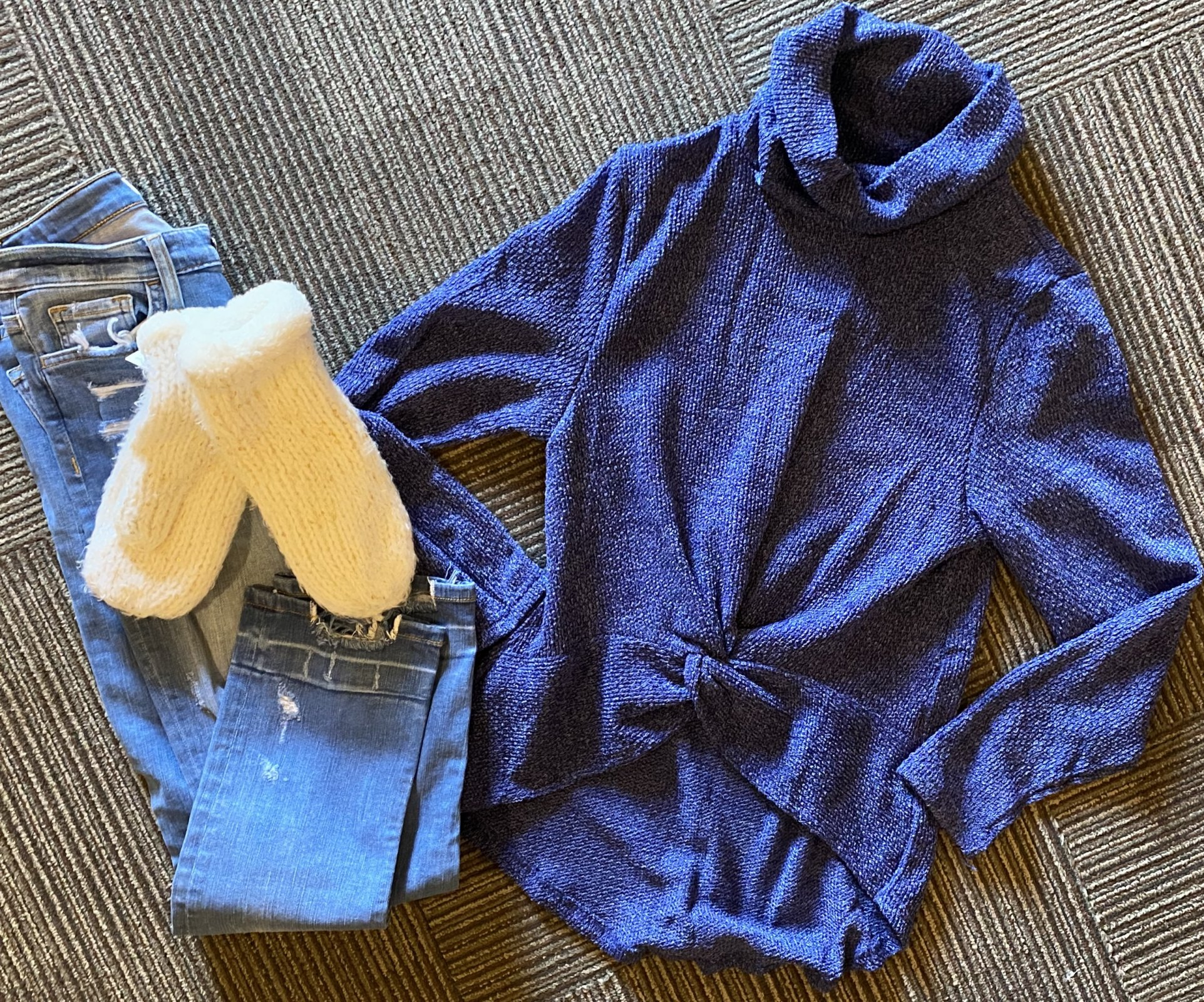 noname navy sweater