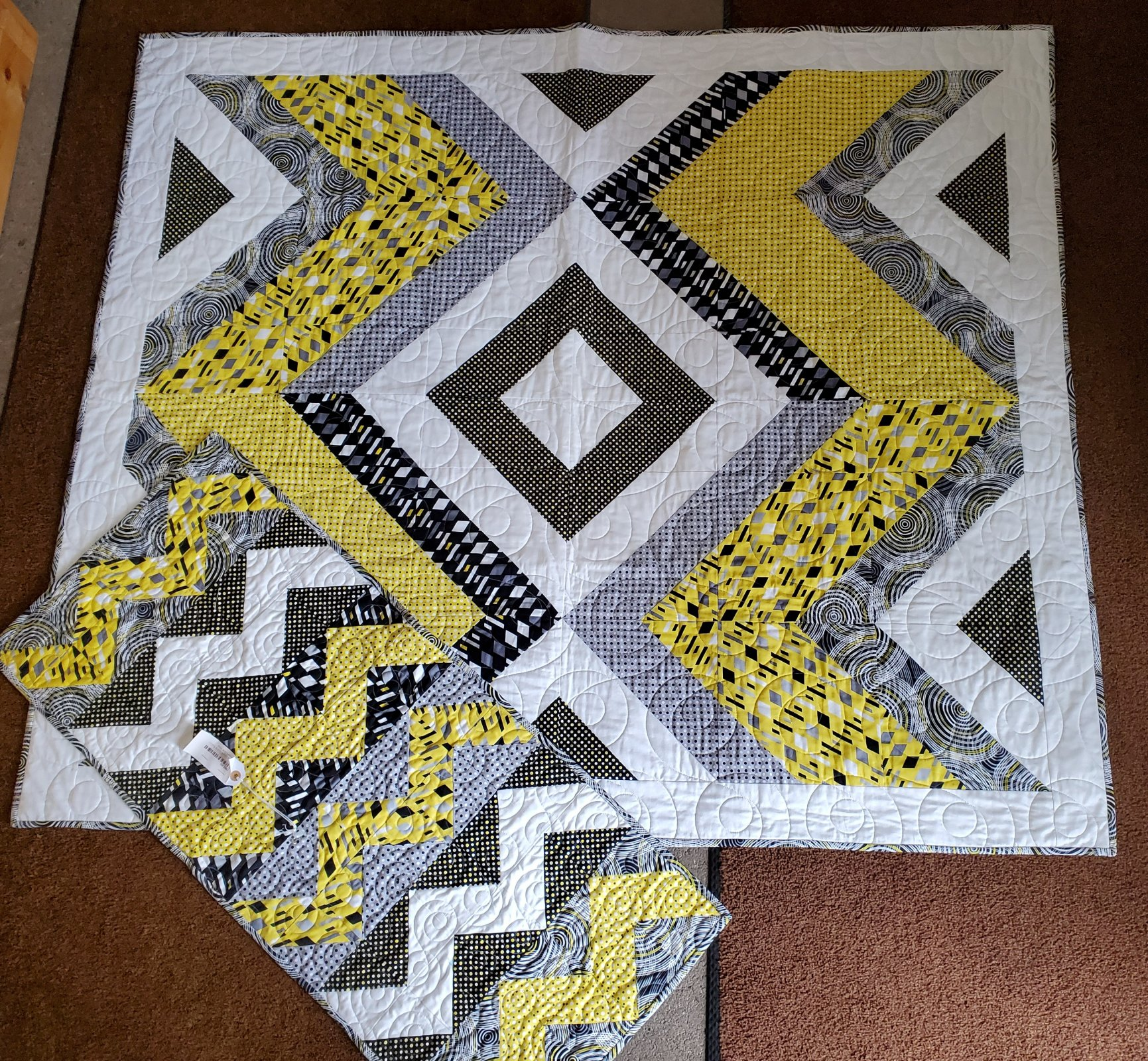 Ups and Downs Quilt & Runner