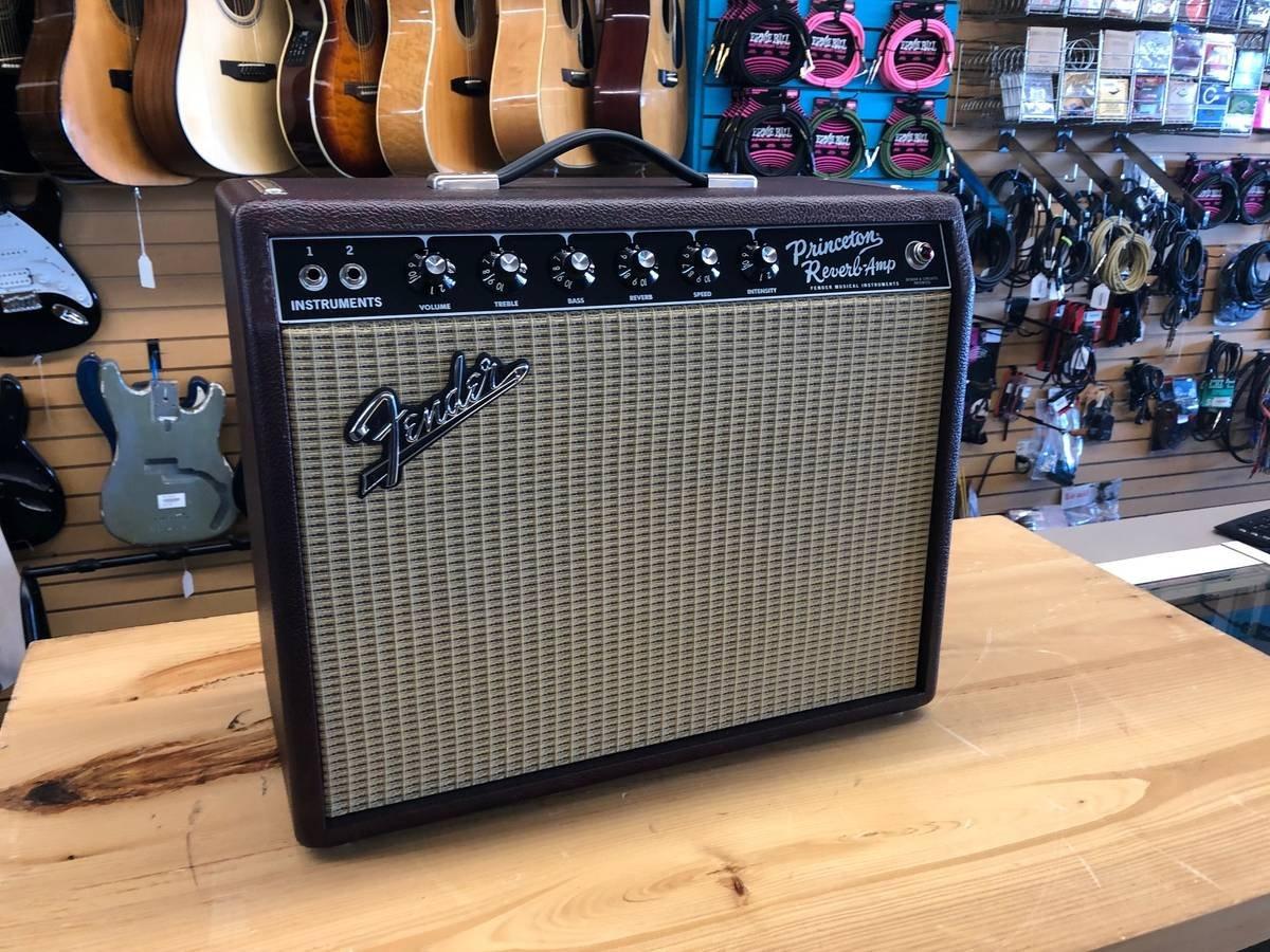 Fender 65 Princeton Reverb w Pedal/Cover