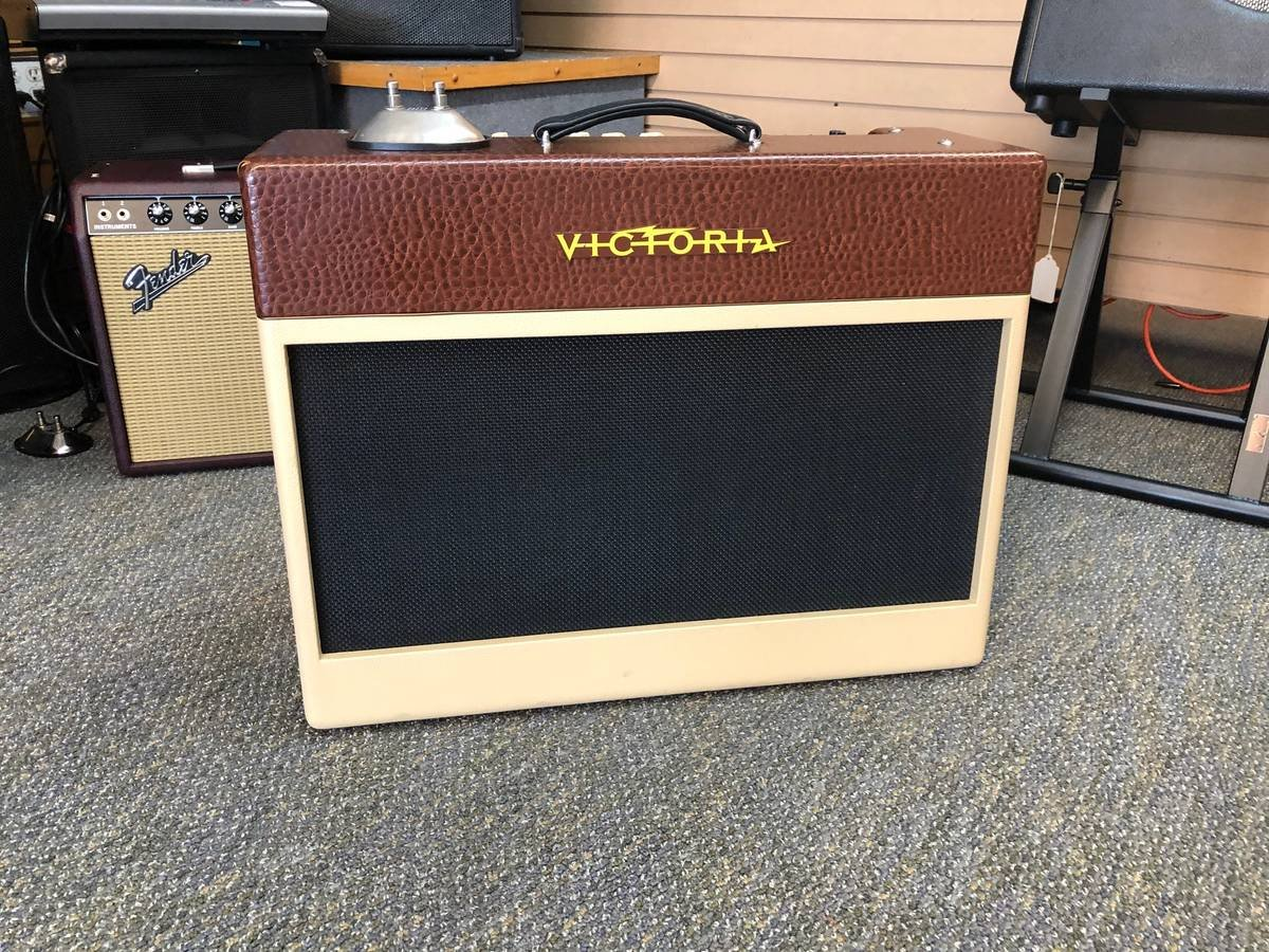 Victoria Golden Melody 212 Combo
