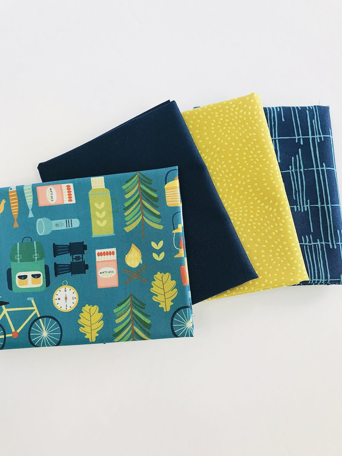 Get Outdoors! Curated 4 Fat Quarter Bundle