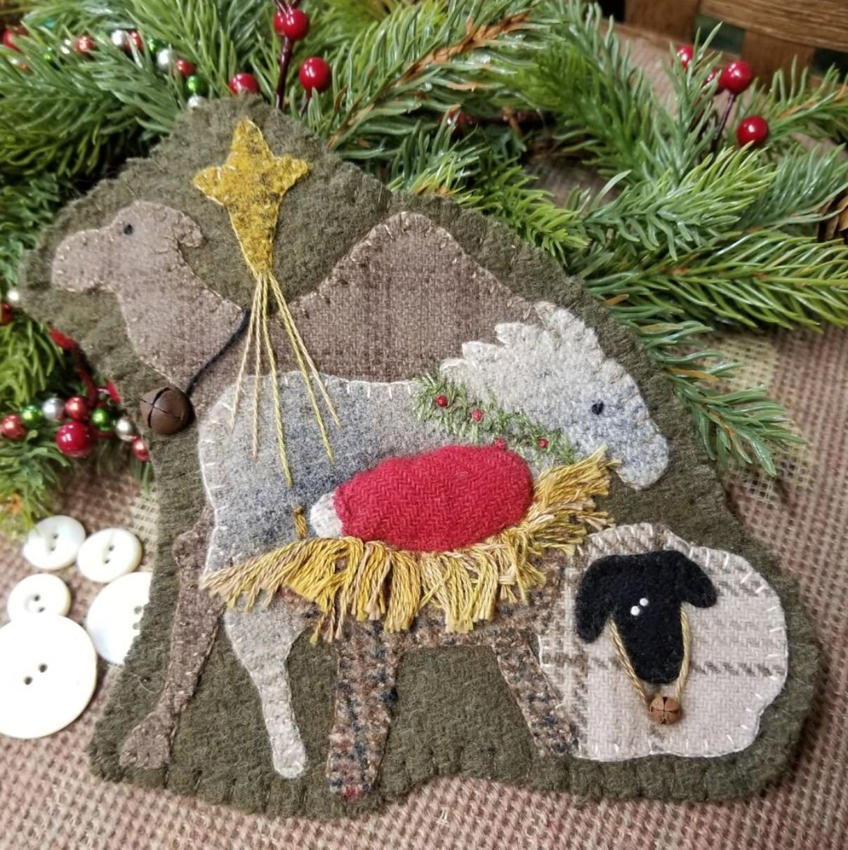 Away in a Manger Wool Ornament  -   e-Pattern