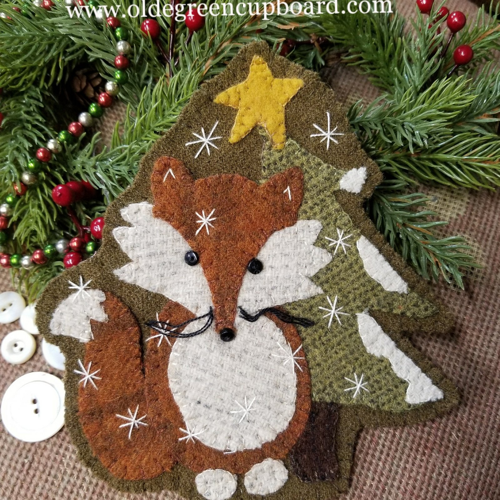 **NEW**   Foxy Wool Christmas Ornament Kit