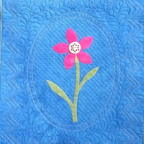 22-211 Antique Blossom