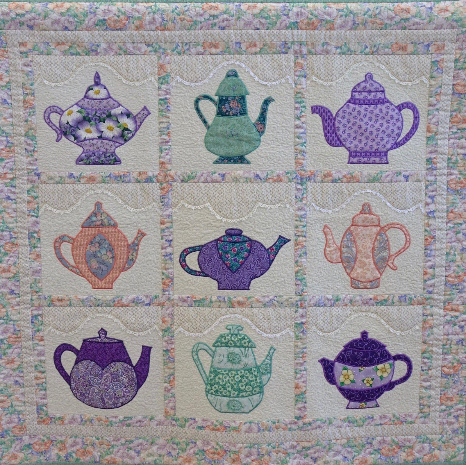 22-118 Lacy Teapots