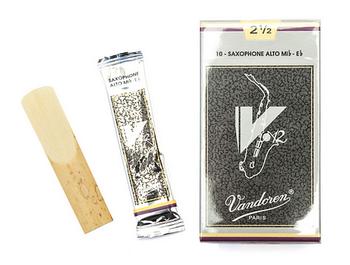 Vandoren V12 Alto Sax Reeds #3 - 4 Pack
