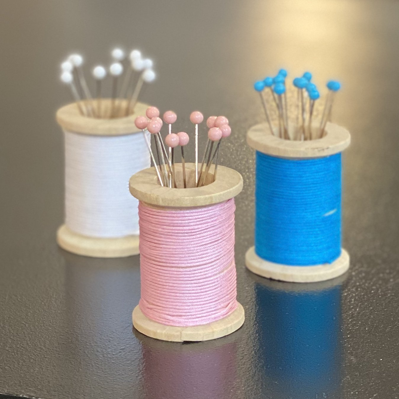 Magnetic Spool Pin Holder (Pink, Blue, or White)