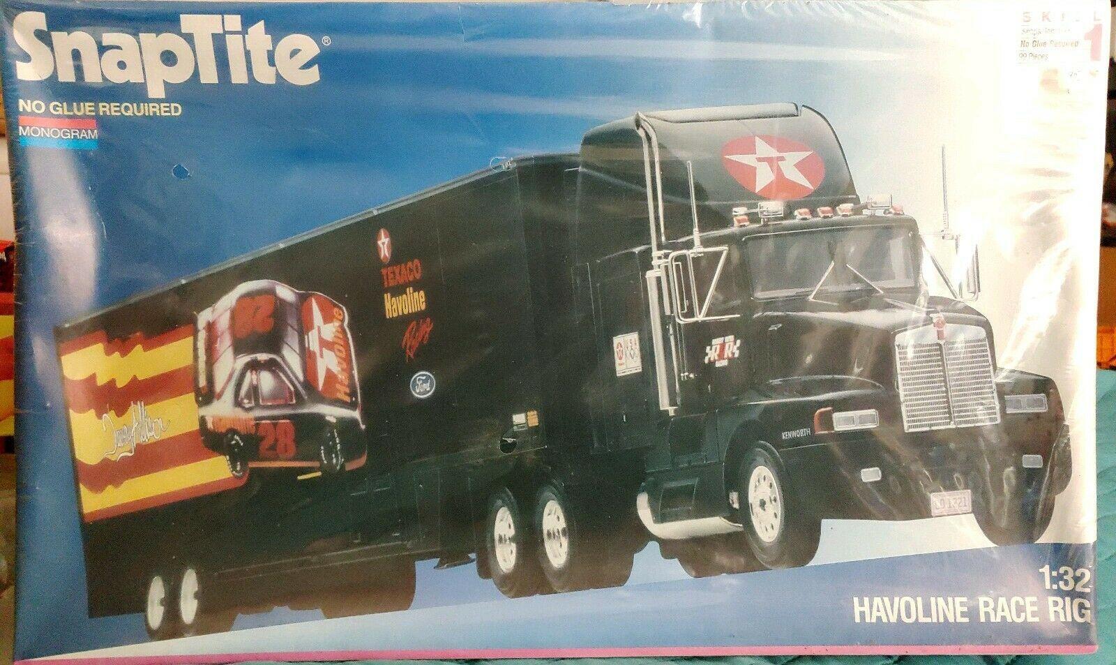 1992 Monogram 1/32 SnapTite Havoline Race Rig with trailer
