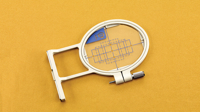 Embroidery Hoop & Grid 1 x 2 1/2 Clip-On EF82
