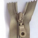 14 Zipper, Simply Taupe, Closed Bottom