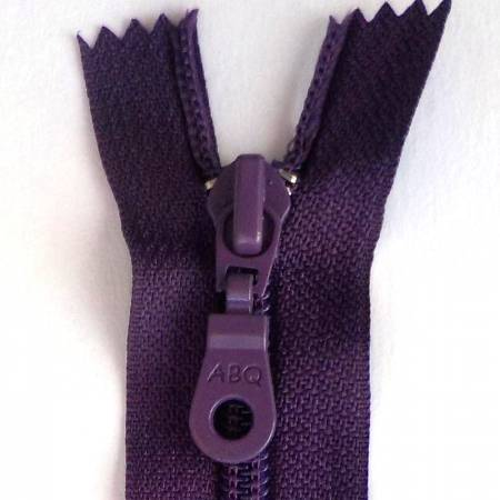 14in Zipper Wineberry Closed Bottom