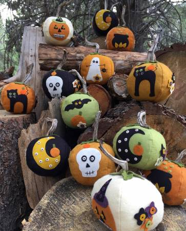 Eek! Spooks! Stuffed Pumpkins Kit