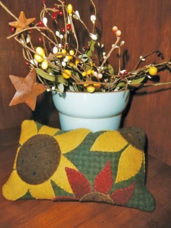 PT- Sunflower Wool Pin Cushion