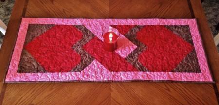 Love Knot Table Runner Pattern