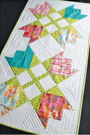 Tulip Compass Table Runner