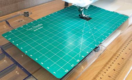 Sew Steady 12in x 20 in Grid Glider