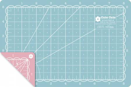 Lori Holt Cutting Mat 5in x 8in in Pink and  Aqua