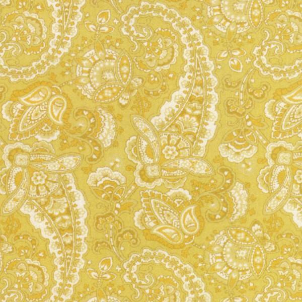 Clothworks Paisley Y1590-67 Light Gold