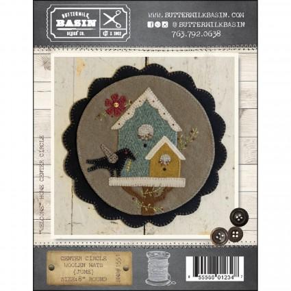 PT W BMB Center Circle Woolen Mat June with buttons