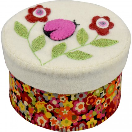 KIT W In the Patch Small Round Box Ladybug