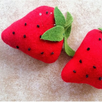Strawberry Mini Cushion Kit