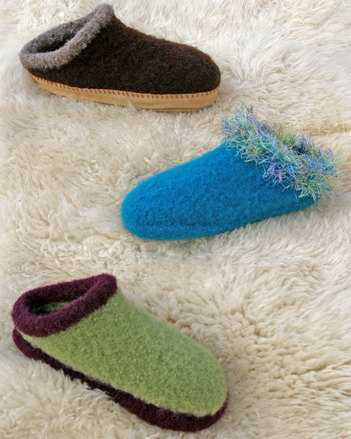 Fiber Trends Adult's Felt Clog pattern