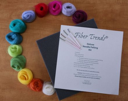 Fiber Trends Deluxe Needle Felting Kit