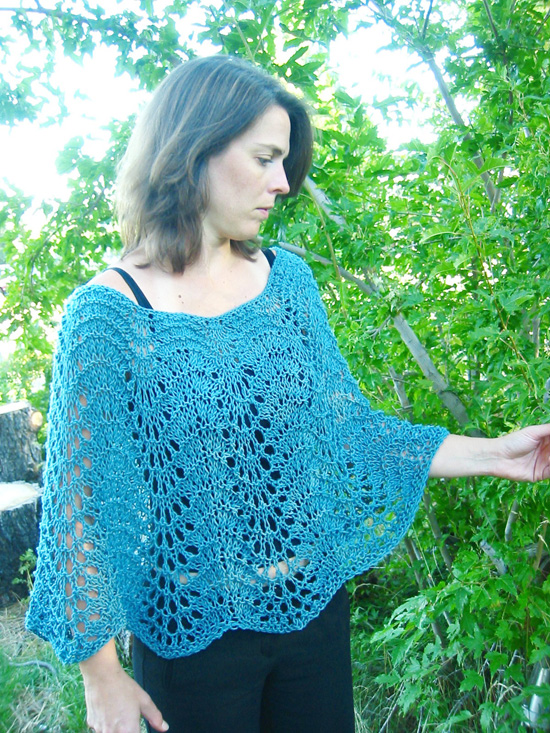 KPS 251 Easy Lace Poncho