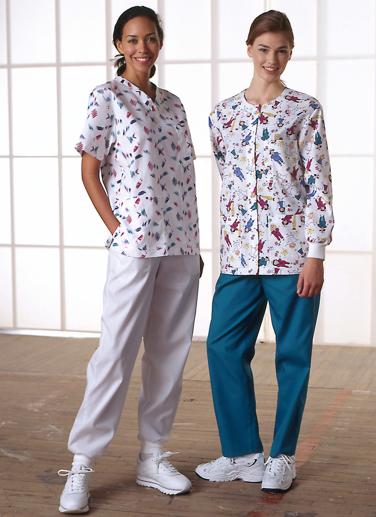 Kwik Sew - Misses' Scrubs with Pockets - Sizes S-XL - K2807