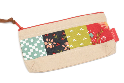 Walkabout Zipper Pouch 8.5x4