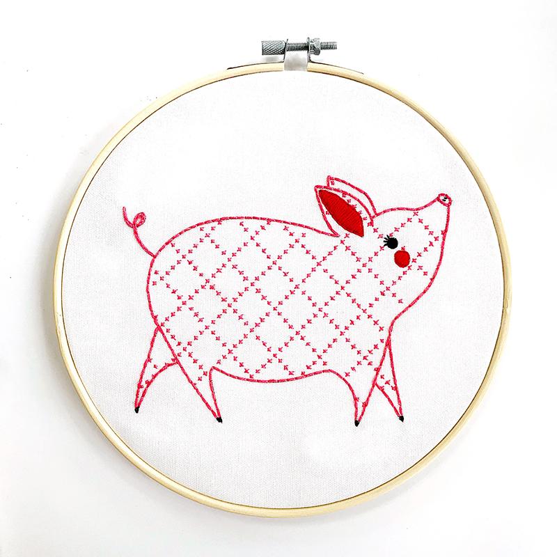 Farm Charm Embr Sample L Piggy