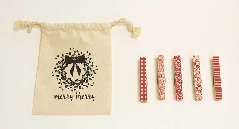 Holiday Clothespins Merry Merry