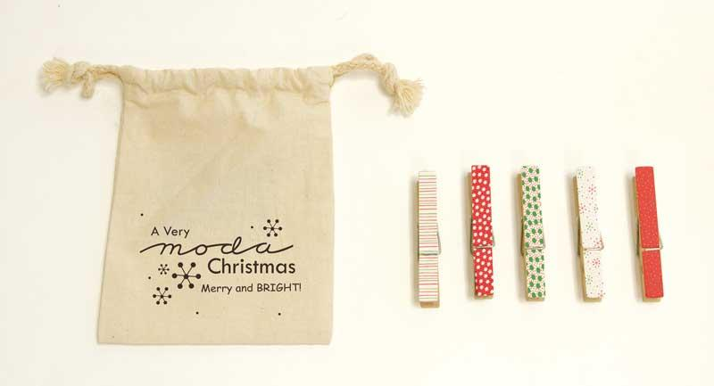 Holiday Clothespins Merry Brigh