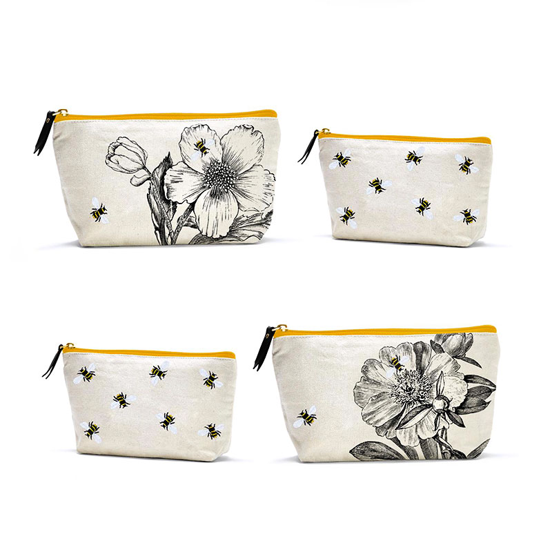 Queen Bee Bag Set by Twos Company Inc.