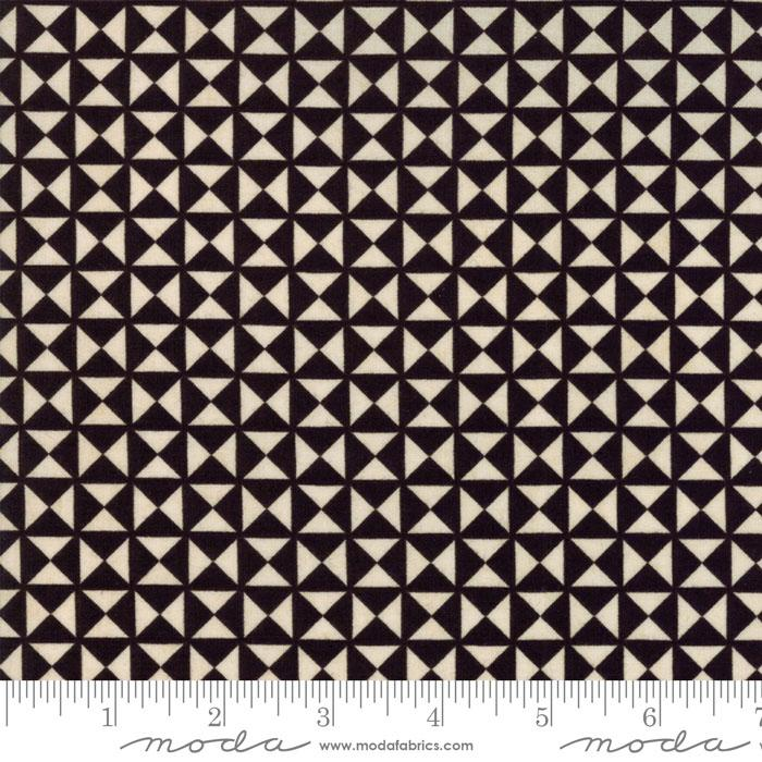 Berry Merry Quilt Block Charcoal