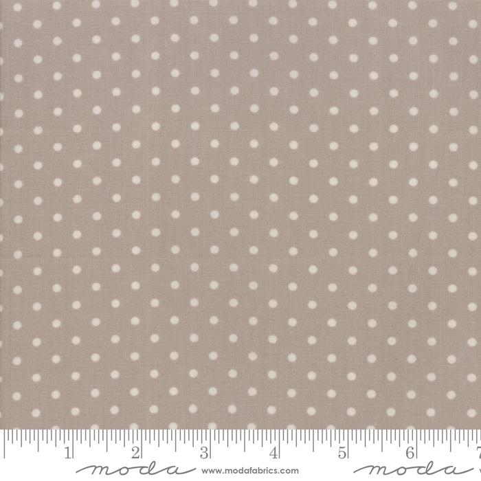 18675 19 Amberley Pebble Dots by Moda