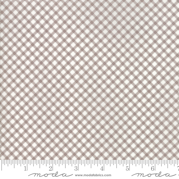 18676 18 Amberley Pebble Gingham by Moda