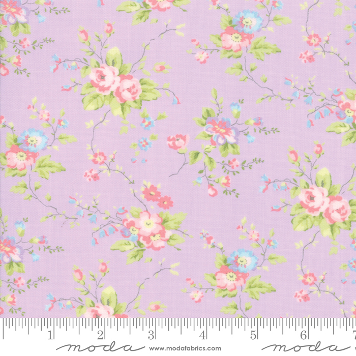 18680 15  Finnegan - Large Floral Lilac by Moda