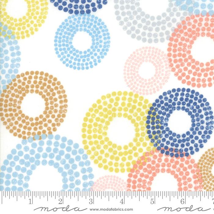 Breeze Dottie Circles White